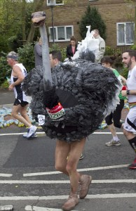 runner-at-london-marathon-2015-dressed-as-an-ostrich